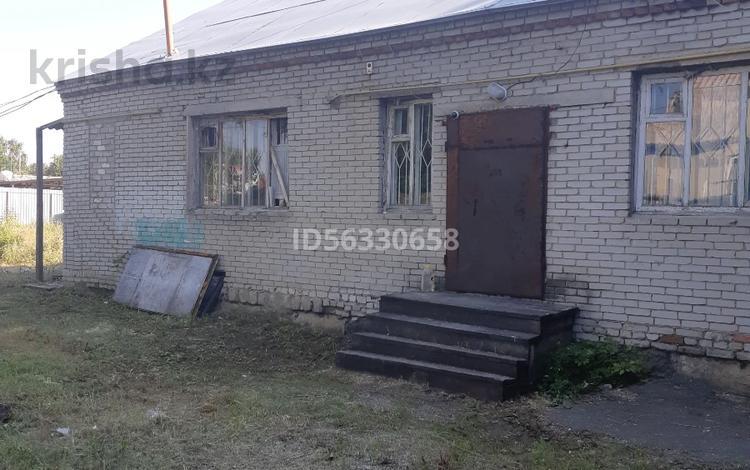 5-комнатный дом, 180 м², 11 сот., Калинина 53/2 за 13 млн 〒 в Затобольске