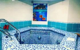 14-комнатный дом помесячно, 1100 м², 18 сот., Депутатский за 2 млн 〒 в Нур-Султане (Астана)