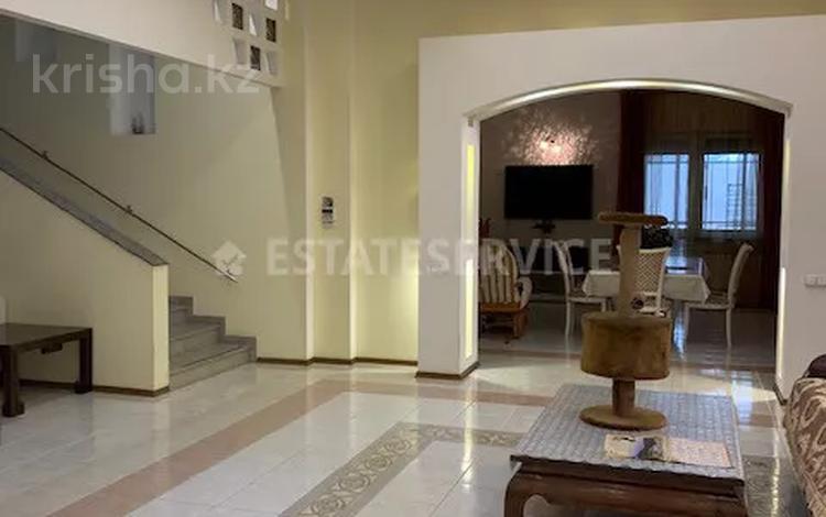 6-комнатный дом, 600 м², 22 сот., мкр Коктобе за 585 млн 〒 в Алматы, Медеуский р-н
