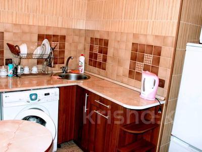 1-комнатная квартира, 36 м² по часам, проспект Нуркена Абдирова 28/1 за 700 〒 в Караганде, Казыбек би р-н — фото 4