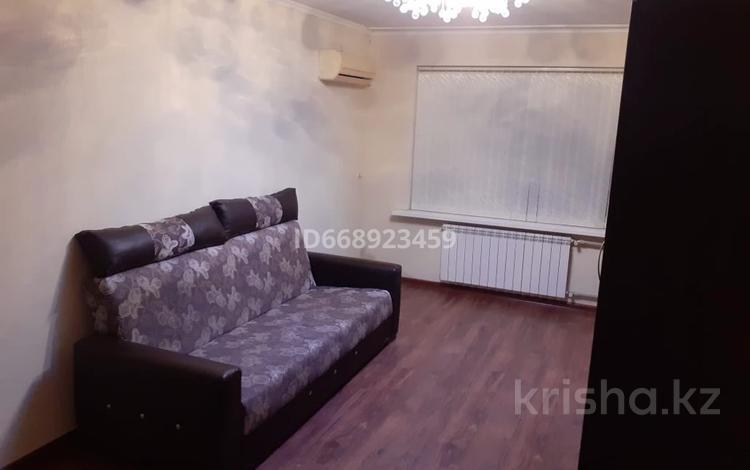3-комнатная квартира, 61 м², 1/5 этаж на длительный срок, Авангард-4 3 за 120 000 〒 в Атырау, Авангард-4