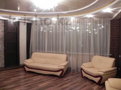 2-комнатная квартира, 100 м², 21/29 этаж посуточно, мкр Горный Гигант, Аль-Фараби 7 — Фурманова за 18 000 〒 в Алматы, Медеуский р-н — фото 2