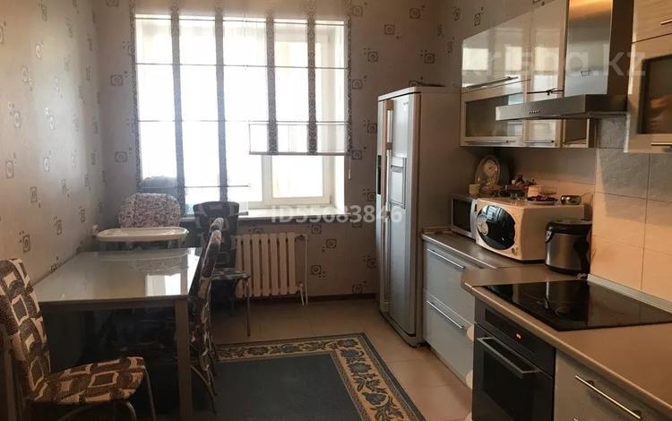 3-комнатная квартира, 112 м², 7/9 этаж, Достык 1 за 55 млн 〒 в Нур-Султане (Астане), Есильский р-н