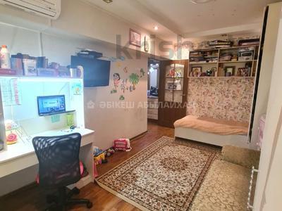 2-комнатная квартира, 44 м², 3/9 этаж, мкр Аксай-2 — Саина за 22.3 млн 〒 в Алматы, Ауэзовский р-н
