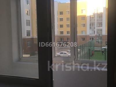 2-комнатная квартира, 62 м², 2/7 этаж помесячно, Бокейхана — Мангилик ел Улы Дала за 130 000 〒 в Нур-Султане (Астана), Есиль р-н — фото 10