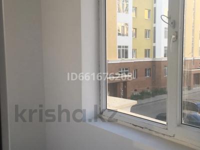 2-комнатная квартира, 62 м², 2/7 этаж помесячно, Бокейхана — Мангилик ел Улы Дала за 130 000 〒 в Нур-Султане (Астана), Есиль р-н — фото 11