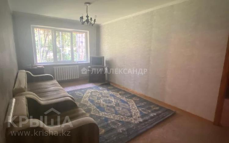 2-комнатная квартира, 43 м², 1/4 этаж, мкр №11, Мкр №11 за 15 млн 〒 в Алматы, Ауэзовский р-н