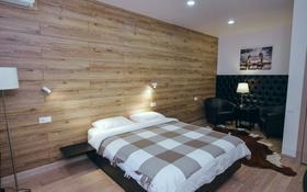 1-комнатная квартира, 40 м², 1/5 этаж посуточно, Мухита 73 за 15 000 〒 в Уральске