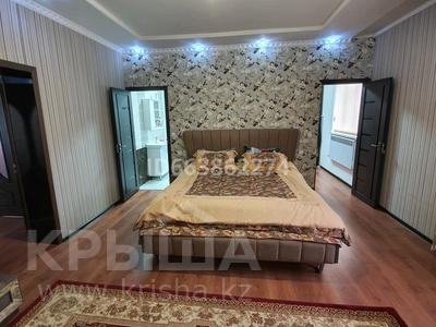10-комнатный дом, 350 м², 10 сот., Акан Шулгаубаева 38 за 45 млн 〒 в Сарыагаш