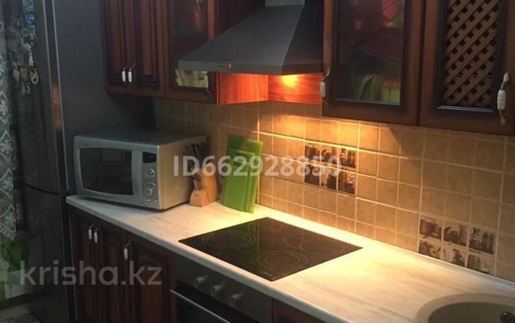 2-комнатная квартира, 50 м², 4/5 этаж посуточно, Найманбаева 128 за 10 000 〒 в Семее