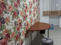2-комнатная квартира, 70 м², 1/5 этаж помесячно, Оренбургская за 120 000 〒 в Уральске