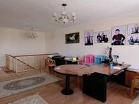 5-комнатная квартира, 200 м²
