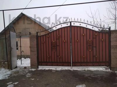 2-комнатный дом, 70 м², 8 сот., мкр Акжар 20 — Бекешова за 30 млн 〒 в Алматы, Наурызбайский р-н