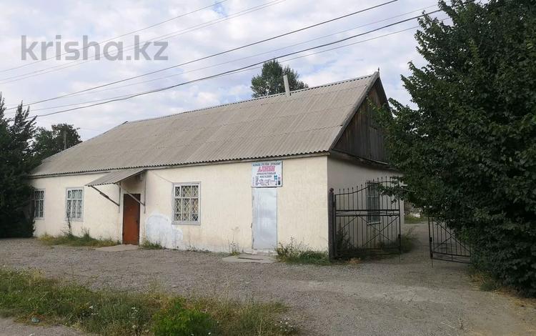 Здание, площадью 300 м², Сауранбек 9 за 20 млн 〒 в Жамбылской обл.