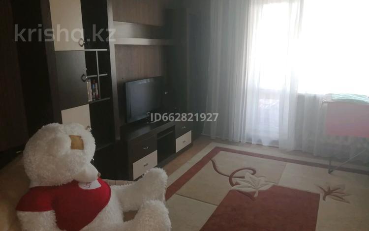 2-комнатная квартира, 54 м², 5/5 этаж помесячно, мкр Юго-Восток, 30-й микрорайон 14 — Гапеева за 95 000 〒 в Караганде, Казыбек би р-н