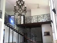Здание, площадью 380 м²