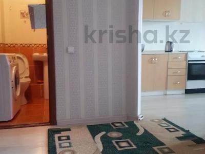 1-комнатная квартира, 40 м², 6/13 этаж посуточно, Жанибека Тархана 9 — Амангельды Иманова за 6 000 〒 в Нур-Султане (Астане)