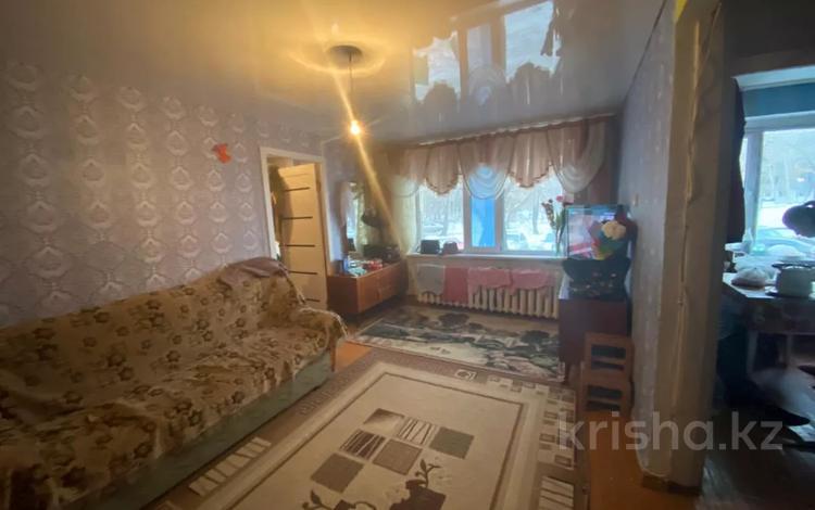 2-комнатная квартира, 45 м², 1/5 этаж, 13-ші шағын аудан за 6.3 млн 〒 в Караганде, Октябрьский р-н