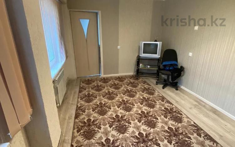 3-комнатная квартира, 54 м², 1/2 этаж, Юбилейная улица 11 за 11.3 млн 〒 в Усть-Каменогорске