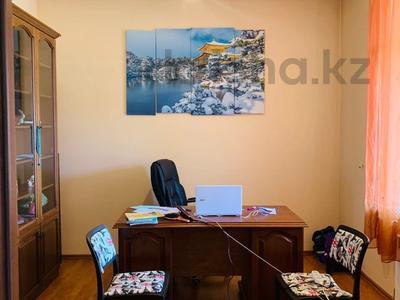 6-комнатный дом, 420 м², 20 сот., Академгородок 20 за 82 млн 〒 в Шымкенте — фото 9