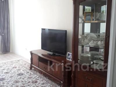 2-комнатная квартира, 72 м², 10/18 этаж, Кайыма Мухамедханова за 26.3 млн 〒 в Нур-Султане (Астана), Есиль р-н — фото 9