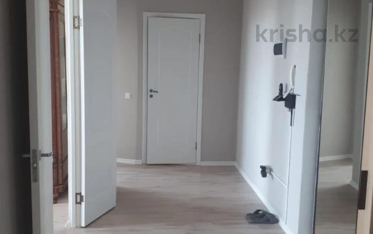 2-комнатная квартира, 72 м², 10/18 этаж, Кайыма Мухамедханова за 26.3 млн 〒 в Нур-Султане (Астана), Есиль р-н