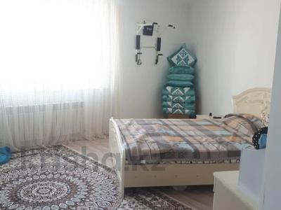 2-комнатная квартира, 72 м², 10/18 этаж, Кайыма Мухамедханова за 26.3 млн 〒 в Нур-Султане (Астана), Есиль р-н — фото 3