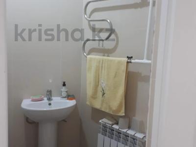 2-комнатная квартира, 72 м², 10/18 этаж, Кайыма Мухамедханова за 26.3 млн 〒 в Нур-Султане (Астана), Есиль р-н — фото 17
