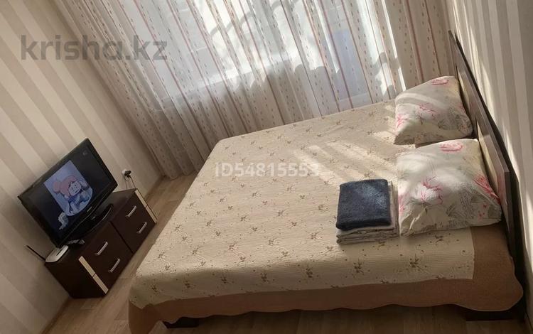 1-комнатная квартира, 34 м², 3/5 этаж посуточно, Комиссарова 32а — Бухар-жырау за 5 000 〒 в Караганде, Казыбек би р-н