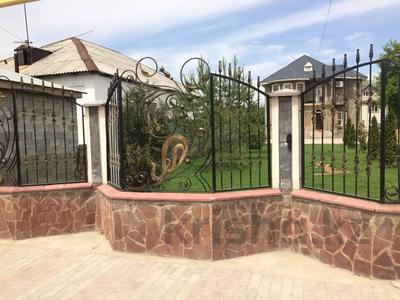 5-комнатный дом, 240 м², 15 сот., Жапек-батыра 7 за 40 млн 〒 в Алматы — фото 2