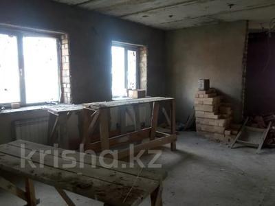 6-комнатный дом, 240 м², 10 сот., Макатаева 6 за 36 млн 〒 в Косшы — фото 10