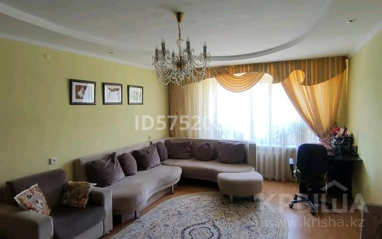 3-комнатная квартира, 62 м², 7/10 этаж, Майры 39 за 15.5 млн 〒 в Павлодаре