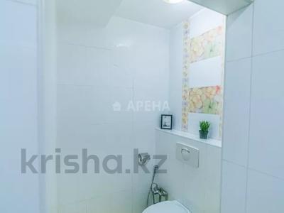 2-комнатная квартира, 65 м², 10/25 этаж посуточно, Каблукова 270 за 15 000 〒 в Алматы, Бостандыкский р-н — фото 9