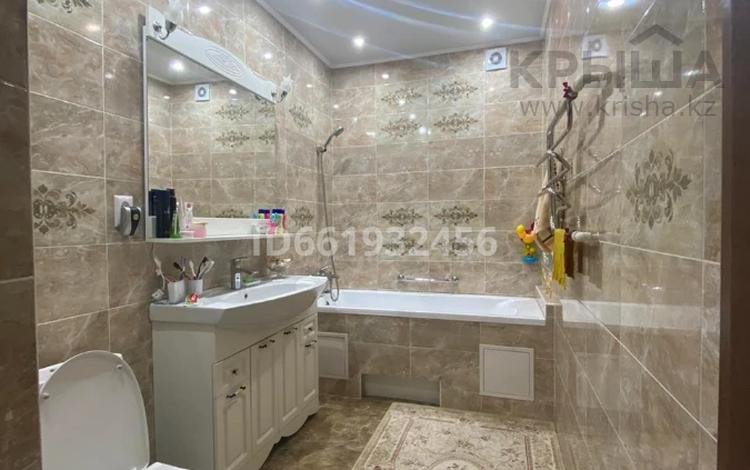 5-комнатная квартира, 153.5 м², 5/5 этаж, Батыс 2 за 48 млн 〒 в Актобе, мкр. Батыс-2