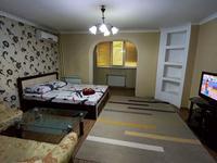 1-комнатная квартира, 50 м², 3/5 этаж посуточно, Туркестанская 2/4 — Туркестанская за 10 000 〒 в Шымкенте