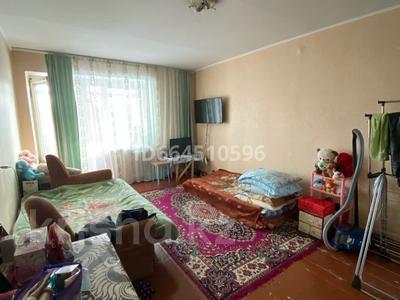 1-комнатная квартира, 33 м², 3/5 этаж, Утепова 24 за 12.5 млн 〒 в Усть-Каменогорске