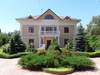 9-комнатный дом помесячно, 850 м², 40 сот.