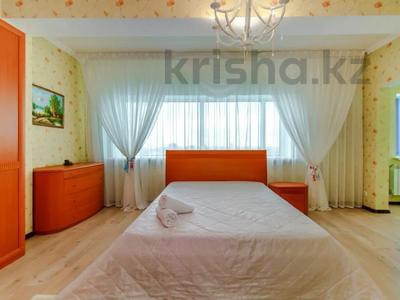 2-комнатная квартира, 108 м², 16/38 этаж посуточно, Достык 5 — Сауран за 12 000 〒 в Нур-Султане (Астана), Есиль р-н