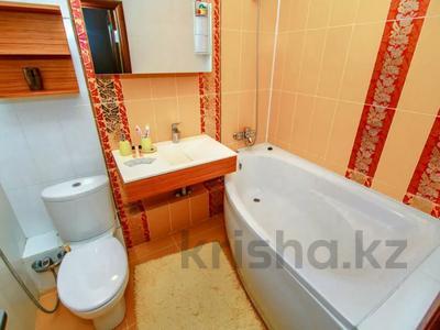 2-комнатная квартира, 108 м², 16/38 этаж посуточно, Достык 5 — Сауран за 12 000 〒 в Нур-Султане (Астана), Есиль р-н — фото 6