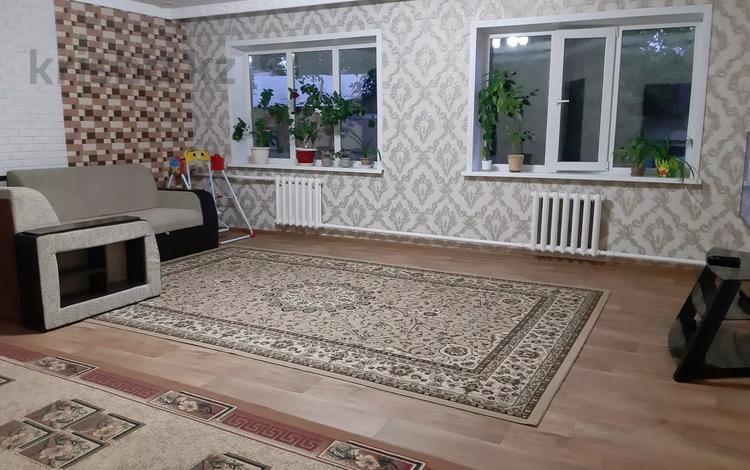 4-комнатный дом, 120 м², 8 сот., Мунайшылар за 28 млн 〒 в Нур-Султане (Астане), р-н Байконур