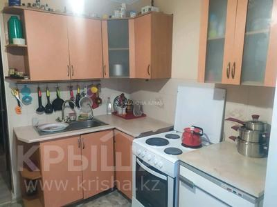 3-комнатная квартира, 64 м², 1/9 этаж, мкр Юго-Восток, Гульдер 1 за 21.5 млн 〒 в Караганде, Казыбек би р-н
