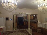 9-комнатный дом помесячно, 460 м², 5 сот.