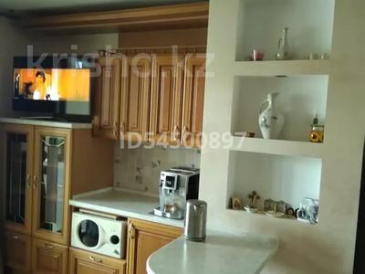 1-комнатная квартира, 65 м², 9/12 этаж, Комарова 22 за 25.2 млн 〒 в Омске — фото 5