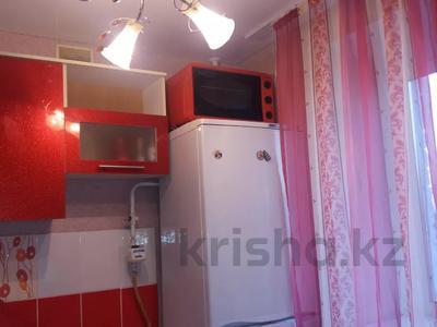 2-комнатная квартира, 40 м², 4/5 этаж помесячно, Козбагарова — Дулатова за 75 000 〒 в Семее — фото 3