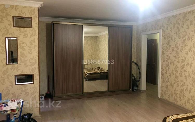 3-комнатная квартира, 65.5 м², 5/5 этаж, Мамай батыра за 17 млн 〒 в Семее