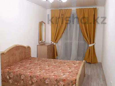2-комнатная квартира, 56 м², 4/5 этаж посуточно, Керамическая 82 за 8 000 〒 в Караганде, Казыбек би р-н — фото 2