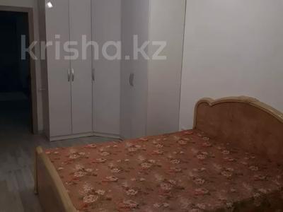 2-комнатная квартира, 56 м², 4/5 этаж посуточно, Керамическая 82 за 8 000 〒 в Караганде, Казыбек би р-н — фото 3