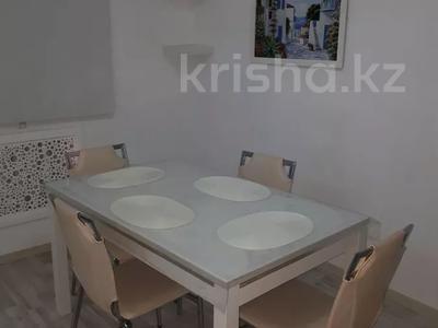 2-комнатная квартира, 56 м², 4/5 этаж посуточно, Керамическая 82 за 8 000 〒 в Караганде, Казыбек би р-н — фото 6