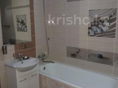 2-комнатная квартира, 56 м², 4/5 этаж посуточно, Керамическая 82 за 8 000 〒 в Караганде, Казыбек би р-н — фото 9