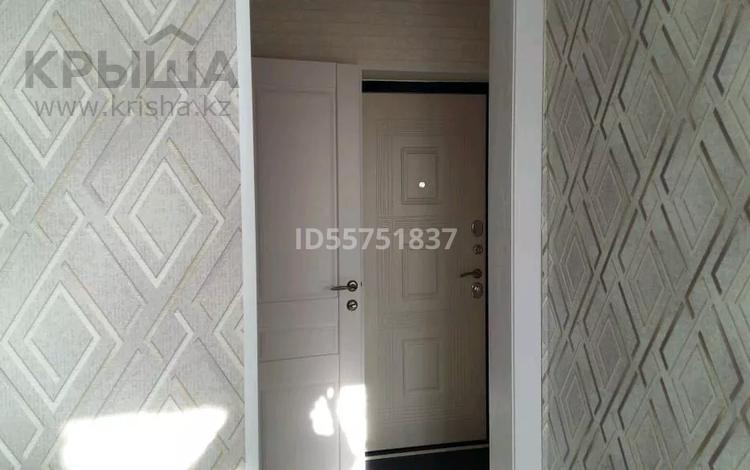 1-комнатная квартира, 41 м², 2/5 этаж посуточно, улица Сергея Тюленина 101 за 6 000 〒 в Уральске
